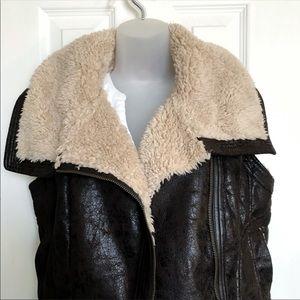 Mudd vest faux fur// Faux leather  Jacket